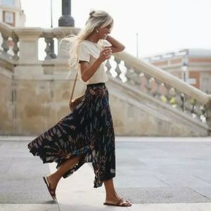 Zara Scarf Chain Print Pleated Skirt